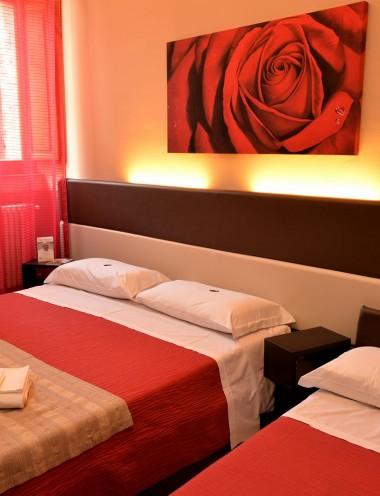 Camera Tripla - Hotel Properzio - Assisi - Immagine 3